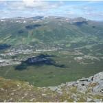 Utsikt mot Oppdal og fjellene vestover inn i Trollheimen og nordover mot Trondheim